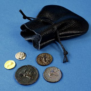 Römische Münzen Im Lederbeutel